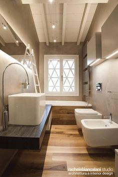 First love by Rachele Biancalani Studio 19 - MyHouseIdea Beach House Bathroom, Simple Bathroom, Villa, Home Gadgets, Bathroom Interior Design, Amazing Bathrooms, Bathroom Inspiration, Design Inspiration, Studio