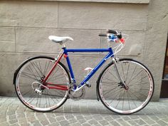 """old """"Amadori"""" road frame custom paint (after)"""