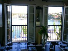 Apartamento en venta en el Puerto de Mahón: dos dormitorios, cocina, lavadero, comedor, jardín y piscina comuntaria.  #vistasalmar #puertomahon #venta #forsale