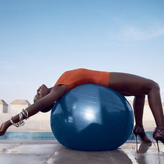 How do we feel about lupita today?  Fitness; glamor. It's all about balance.  Photo: Mikael Jansson #flowwithintention #beintheflow