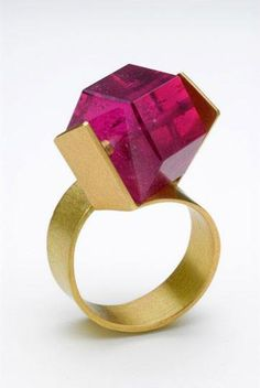 Looks like a ring pop. Bold Pink-Tourmaline Ring in gold by the Greek designer Daphne Krinos. Contemporary Jewellery, Modern Jewelry, Jewelry Art, Jewelry Accessories, Fine Jewelry, Fashion Jewelry, Unique Jewelry, Jewelry Crafts, Vintage Jewelry