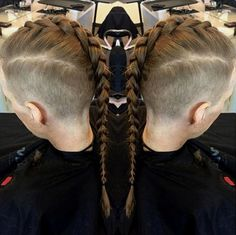 Usually, the Mohawk is considered to be a very weird and rebellious hairstyle. However, there are many ways to make a man rock mohawk not so rebellious. This article will show you some ways to wear Mohawk! Mohawk For Men, Long Mohawk, Mohawk Braid, Braided Ponytail, Mohawk Hairstyles Men, Boys Long Hairstyles, Cool Braid Hairstyles, Hairstyle Men, Natural Hair Mohawk