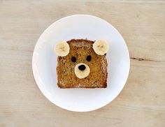 Teddy Bear Toast - What a great way to prepare and serve toast (or French Toast) to little ones!  How fun is this???