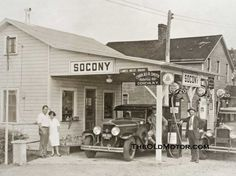 vintage travel gas stations | this is a great gas station photo that shows us a socony gas station ...