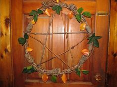 Celebrate Lammas, or Lughnasadh, the first Pagan harvest sabbat, with these fun and easy craft projects to honor the season. Easy Craft Projects, Crafts To Make, Pagan Decor, Wiccan Crafts, Eclectic Witch, Magick, Witchcraft, Pentacle, Blue Moon