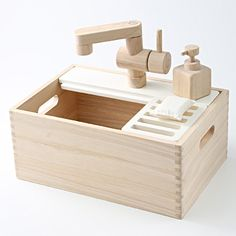 Maeru sink type box with bottle sponge Age 3 years of age or older playing | MUJI net store