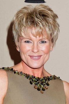 Haircuts for Women Over 50 Short Hair