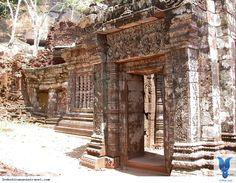 Đất nước vàdu lịch Làochưa thể so sánh được với những nước đã và đang phát triển ở Đông Nam Á. Nhưngdu lịch tới Làocũng có cái hay và thú vị của riêng nó, ở Lào có những điểm thú vị có vẻ hoang sơ, đơn giản nhưng chính đó lại làm nên nét văn hóa và đặc trưng của đất nước... Xem thêm: http://indochinasensetravel.com/15-dieu-thu-vi-khien-ban-yeu-men-du-lich-lao_1434597833-n.html