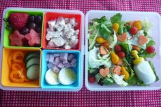 this bento can be made in 5 minutes! Weekly Food Prep and Personal Salad Bar from this blog describes how