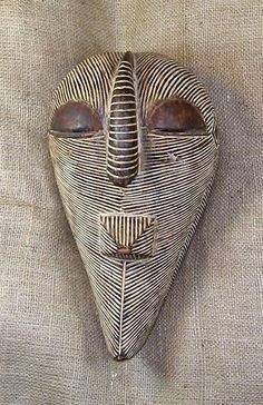 African masks and African statues from the Songye tribe of Congo. This Songye Mask measures inches tall. Atelier D Art, Art Premier, Art Sculpture, Head Mask, Art Africain, Masks Art, African Masks, Arte Popular, Indigenous Art