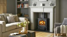 Ideas for wood burning stove fireplace fire surround mantels Log Burner Living Room, New Living Room, My New Room, Home And Living, Living Room Decor, 1930s Living Room, Dining Room, Wood Burner Fireplace, Fireplace Ideas