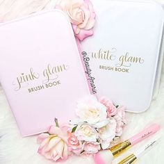 The weekends call for Glam Brush Books!What's your fav PINK or WHITE beauties?or of course BOTH!!Ooh heheLove @beautyamorie and her super glam self! #glitterandgold #slmissglambeauty #pinkglam www.slmissglam.com