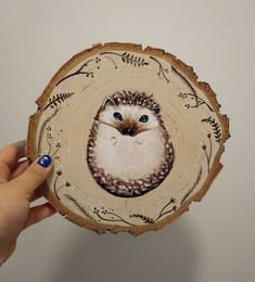Artist Creates Stunning Animal Portraits on Slices of Wood - World's largest collection of cat memes and other animals Wood Slice Crafts, Wood Burning Crafts, Wood Burning Art, Wood Crafts, Christmas Ornament Crafts, Wood Ornaments, Christmas Wood, Wood Painting Art, Ceramic Painting