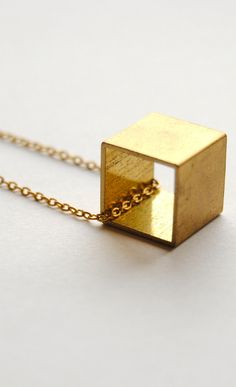 Vintage Cube Necklace via Etsy. Minimal Jewelry, Simple Jewelry, Cute Jewelry, Bridal Jewelry, Vintage Jewelry, Gold Jewelry, Jewelry Logo, High Jewelry, Dainty Jewelry