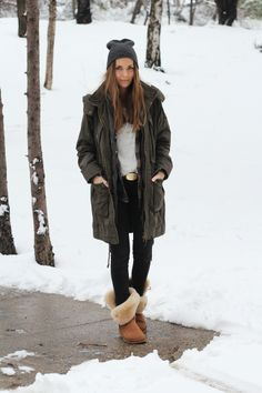 Discover and organize outfit ideas for your clothes. Decide your daily outfit with your wardrobe clothes, and discover the most inspiring personal style 50 Fashion, Minimal Fashion, Slow Fashion, Winter Fashion, Fashion Outfits, Womens Fashion, Minimal Style, Style Fashion, Military Parka
