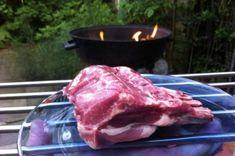 Leg eens een ander stukje vlees op de barbecue | Lekker Tafelen Barbecue, Green Eggs, Hamburgers, Steaks, Meat, Cooking, Food, Beef Steaks, Kitchen
