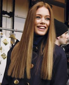 Middle-Parted-Long-Straight-Hair Most Glamorous Long Straight Hairstyles for Women Long Hair Cuts Straight, Haircuts For Long Hair With Layers, Long Layered Hair, Long Cut, Long Straight Haircuts, Blowdry Hair Straight, Balayage Straight, Short Cuts, Sleek Hairstyles
