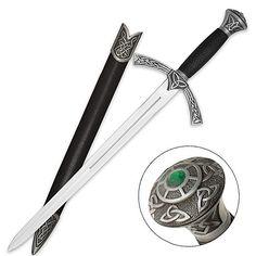 Celtic Short Sword w/ Knotwork & Emerald Gem Celtic Sword, Celtic Dragon, Swords And Daggers, Knives And Swords, Sword Hilt, Pirate Sword, Irish Tattoos, Celtic Warriors, Emerald Gem