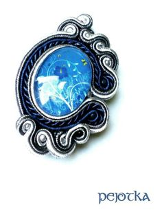 Brooch with soutache work