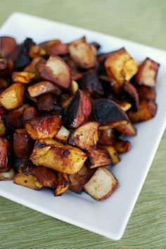 balsamic roasted veggies - http://www.beantownbaker.com/2011/10/balsamic-roasted-vegetables.html?utm_source=feedburner&utm_medium=feed&utm_campaign=Feed%3A+BeantownBaker+%28Beantown+Baker%29
