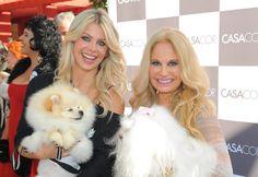 Passarela ficou pequena! Brunete Fraccaroli e Karina Bacchi desfilam com seus pets - Fotos - R7 Bichos