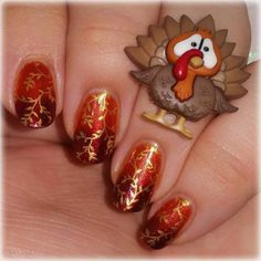 Thanksgiving nail designs can also incorporate various characters rather than turkeys. Our next pick is great for thanksgiving. Gradient Nail Design, Nail Design Spring, Gradient Nails, Toe Nails, Nails Design, Holiday Nail Art, Fall Nail Art, Autumn Nails, Cute Nail Art Designs