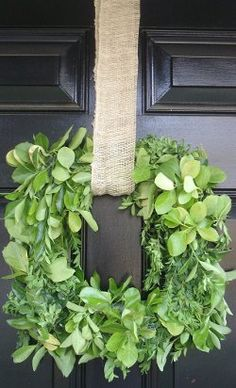 20 Green Craft ideas for Nature Crafts and Nature Inspired Projects nature crafts, squar, burlap wreaths, outdoor christmas decorations, shabby chic cottage, green crafts, boxwood wreath, front doors, craft ideas