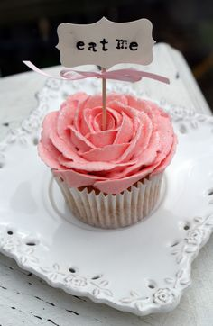 This cupcake is wonderland