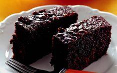 Brownie severler için ondan daha kolay ve pratik bir tarif var: Brownie tadında ıslak kek tarifi. Brownie yapmayı denemeyenler, yapamayanlar ya da henüz denemek istemeyenler; acemiliklerini bu tarifle atabilirler. Klasik brownieye göre daha pratik ve lezzet açısından onu yakalayan bir tarif.Kahve eşliğinde bir dilim ıslak kek ile tüm misafirleri mutlu edebilirsiniz. En kısa zamanda bu …