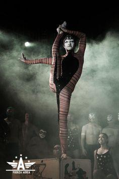 Show, performance, circo México ♥  www.fuerzaaerea.mx