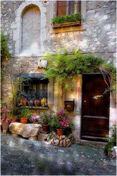 Provence, France | Enchanting Photos   ᘡղbᘠ