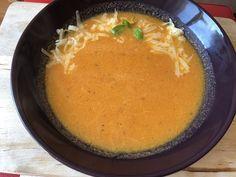 Pomidorowa ze świerzych pomidorów Cornbread, Ethnic Recipes, Food, Millet Bread, Corn Bread, Meals