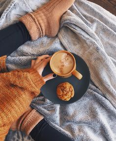 Kalyn Nicholson on get your mugs and muffins ready, youve got four videos to catch while I finish chopping and cropping up the fifth one any Kalyn Nicholson, Fall Inspiration, Cozy Aesthetic, Aesthetic Outfit, Autumn Aesthetic Fashion, Aesthetic Style, Aesthetic Dark, Aesthetic Vintage, Autumn Cozy