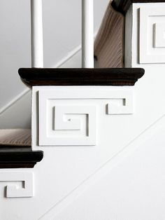 Improve Your Home: 30 Weekend Projects // Spice Up Your Stairway Do It Yourself Inspiration, Interior And Exterior, Interior Design, D House, Chinoiserie Chic, Architectural Elements, Architectural Salvage, Home Projects, Decoration