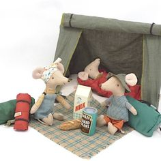 Felt Mouse, Mini Things, Classic Toys, Happy Campers, Beautiful Gift Boxes, Sleepover, Warm And Cozy, Tent, Doll Clothes