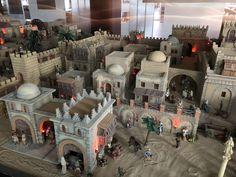 Nativity Scenes, Minecraft Projects, Project Ideas, Medieval, Diy, Roman Architecture, Bricolage, Mid Century, Diys