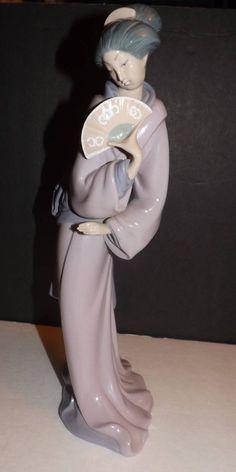 Lladro NAO Daisa Geisha Girl with Fan 13 Inches Spain 1980