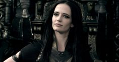 '300: Rise of an Empire' Villains Featurette -- Learn more about the villainous Artemisia and the transformation of Xerxes in this action-packed sequel, in theaters March 7th. -- http://www.movieweb.com/news/300-rise-of-an-empire-villains-featurette