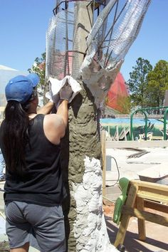 theperanakanconnection: How to make a fake tree trunk/stump.How to make a fake tree trunk/stump for your garden by C S Wan A fake tree trunk/stump made from cement can be used to display pl. Cement Art, Concrete Art, Stamped Concrete, Concrete Design, Plaster Crafts, Concrete Crafts, Concrete Projects, Oklahoma City Zoo, Artificial Tree