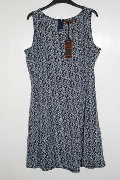 e87335a3b0d7 QED London Sleeveless Floral Skater Dress Navy Size UK 14 rrp 32 DH088 GG  18