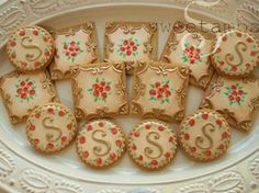Learn how to make vintage inspired cookies in this tutorial by SweetAmbs.