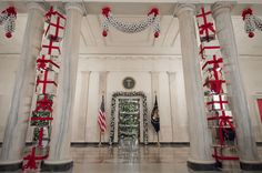 Last-Obamas-Holiday-Decorations-at-The-White-House-House-entrance Last-Obamas-Holiday-Decorations-at-The-White-House-House-entrance