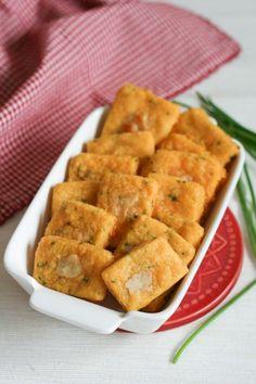 Cheddar and Chive Crackers {Clockwork Lemon}-15
