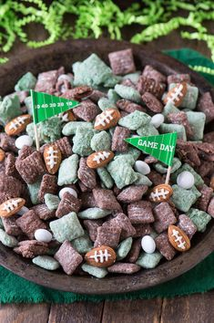 Football Puppy Chow and Winning Super Bowl Snack R. Football Puppy Chow and Winning Super Bowl Snack Recipes on Frugal Coupon Living. Puppy Chow Snack, Puppy Chow Recipes, Superbowl Desserts, Healthy Superbowl Snacks, Quick Snacks, Tailgate Desserts, Snacks Kids, Tailgate Food, Super Bowl Party