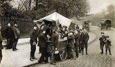 London in the 1920's: ice-cream seller