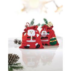 Weihnachtsbeutel aus Filz, 2-tlg., Happy Santa, mit Zugband, 100 % Polyester, je ca. 23 x 26 cm Katalogbild