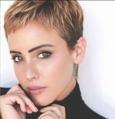 13x There Is Something Special About Women With Short Hair Styles - Korte Kapsels