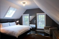 Benjamin Moore: Product: Aura Interior // Finish: Eggshell // Color : Whale Gray 2134-40