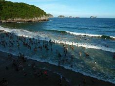 Visiting the large beach of Cat Co, which is separated by a small range of mountain, you can swim in the blue and warm water, so clear that you can see the golden sand bneath.