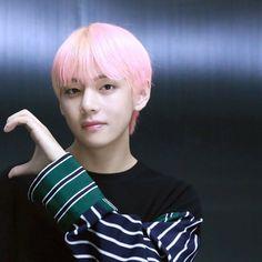 My Arrogant Boyfriend (Kim taehyung ff) Bts Taehyung, Bts Jimin, Bts Bangtan Boy, Foto Bts, Bts Photo, K Pop, Vmin, Daegu, Btob